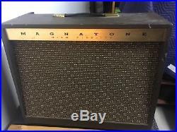 Magnatone 410 Tube Guitar Amplifier / Vintage 1-12 Combo Amp