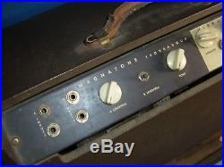 VINTAGE AMPLIFIER Magnatone mod 213 Troubadour Tube Guitar Amp VIBRATO msng KNOB