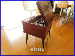 VTG MAGNAVOX RECORD PLAYER CONSOLETTE TUBE AMP RESTORED Watch Play