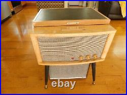 VTG MAGNAVOX RECORD PLAYER STEREO CONSOLETTE TUBE AMP RESTORED Watch Play