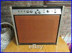 Vintage 1967 Magnatone Estey T32 Guitar Amplifier Reverb & Vibrato King Tube Amp