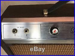 Vintage Gibson 5 Tube Amplifier. Skylark GA5, Early 1960s. Good Sound, Clean